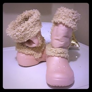 7fb5dfdfbd1d Crocs Nadia Girls Cotton Candy Pink Boots